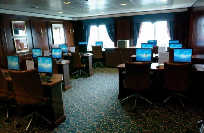 Azamara Journey Internetcafe