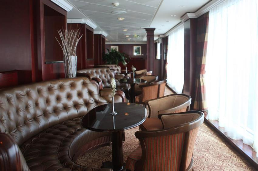 Azamara Journey Looking Glass Lounge