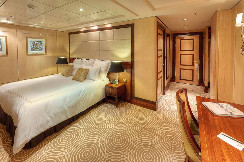 Grand Royal Suite Q3 | Queen Mary 2