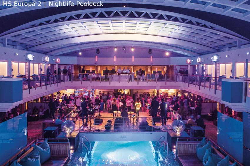 MS Europa 2 | Nightlife am Pool