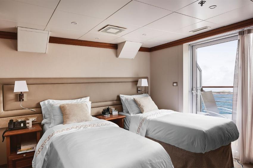 Medallion Suite I Silver Explorer