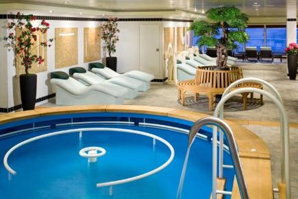 Norwegian Gem Therapy Pool
