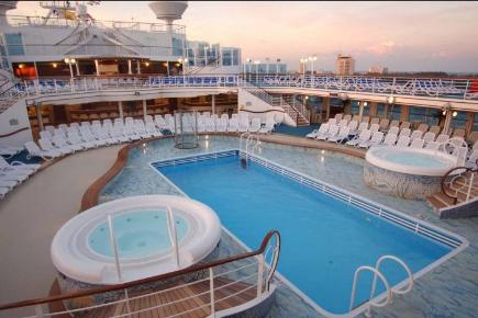 Caribbean Princess Pooldeck