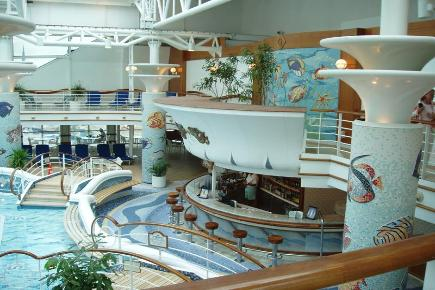 Golden Princess Pool Deck