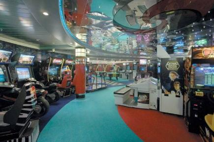 Explorer of the Seas Arcade Zimmer