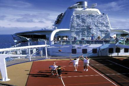 Brilliance of the Seas Funsport an Deck