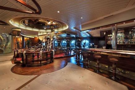 Explorer of the Seas Schooner Bar