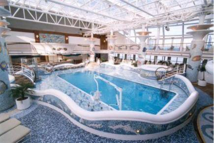 Golden Princess Calypso Pool