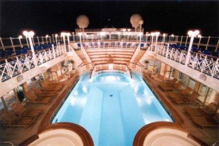 Golden Princess Spa Pool bei Nacht
