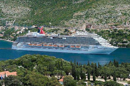 Carnival Breeze in Dubrovnik