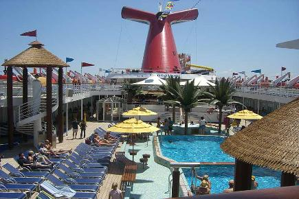 Poolbereich | Carnival Sensation