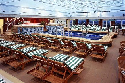 Pavillion Pool | Queen Mary 2