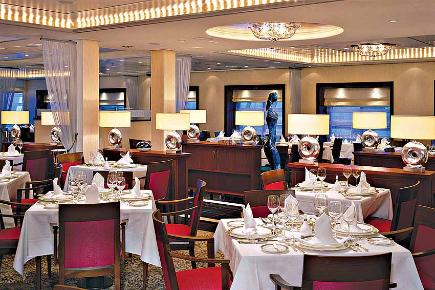 Princess Grill Restaurant | Queen Mary 2