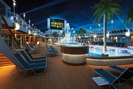 Regal Princess Poolarea bei Nacht